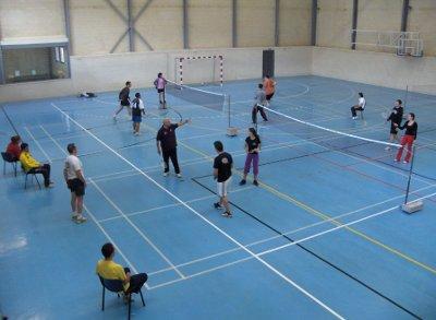 20101015133959-curso-badminton.jpg