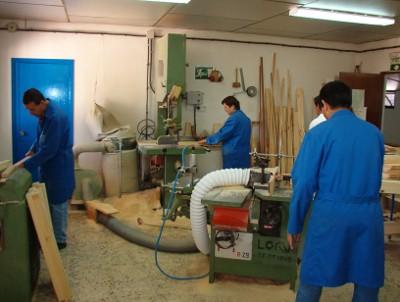 20110201124942-taller-carpinteria-centro-ocupacional-aspromin.jpg