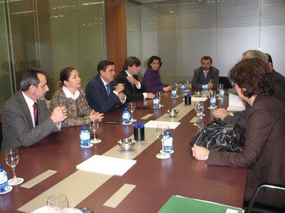 20110315084505-reunion-alcaldes-antonio-avila.jpg