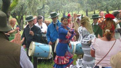20110504080313-mayordoma-bailando.jpg