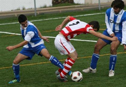 20120118113912-jorge-mete-el-pie-ante-un-rival-alongarvi.jpg