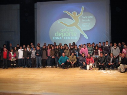 20120127094310-galardonados-iv-gala-deporte-zona-centro.jpg