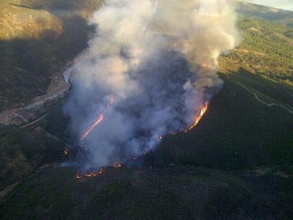 20130806102125-incendio-almonaster-controlado-03-08-2013.jpg