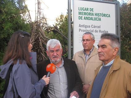 20141111120122-fernando-pineda-y-jose-juan-de-paz-presentan-la-amhph-en-la-antigua-carcel-provincial.jpg