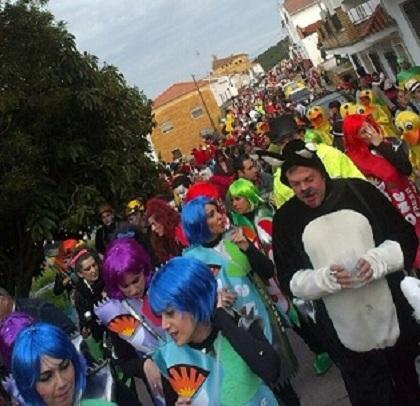 20130304001903-desfile-carnaval-el-campillo-2013-manuel-alvarez-calvo.jpg