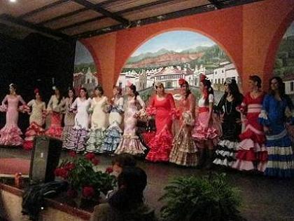 20130327202349-desfile-moda-flamenca-el-campillo-2013.jpg
